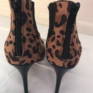 NWOT Jennifer Lopez High Heel Animal Print Sandals
